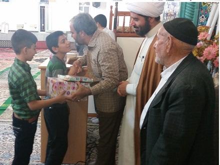 اهدا جوایز مسابقات 5 گانه بسیج زنجان