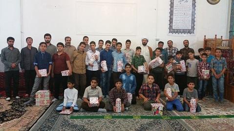 عکس یادگاری بچه های بسیج شرکت کننده در مسابقات 5گانه بسیج زنجان